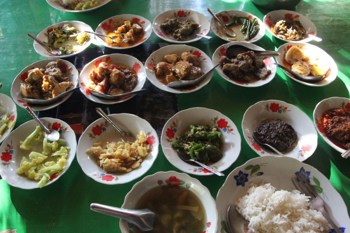 A typical Burmese lunch...(this is after we ate)