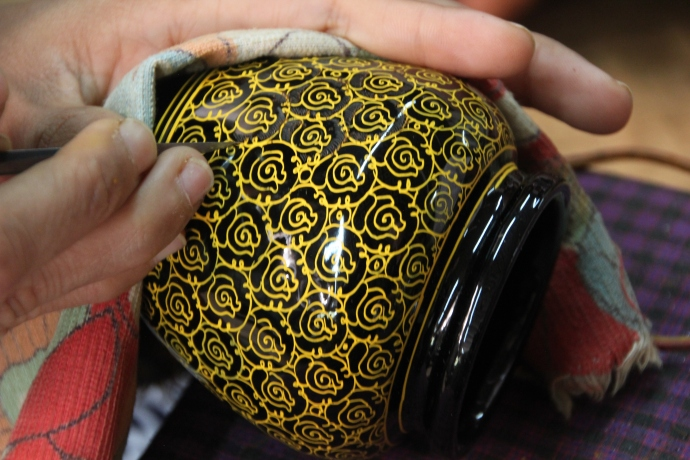 Making lacquerware, an Inle Lake specialty