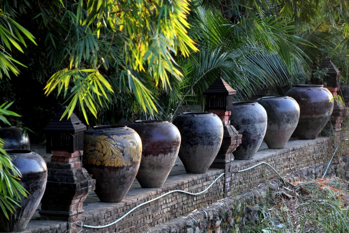Mandalay pots that were as big as me -- and glorious!